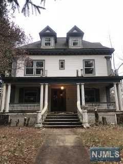 215 Broad Avenue, Leonia, NJ 07605 (#1819454) :: Group BK