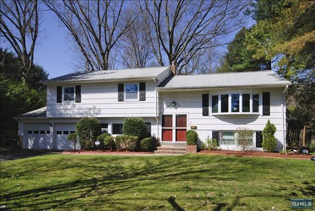 82 Lyons Place, Westwood, NJ 07675 (MLS #1820232) :: William Raveis Baer & McIntosh