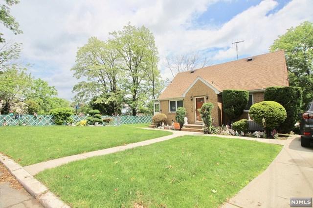 602 Longview Place, Hasbrouck Heights, NJ 07604 (#1820557) :: RE/MAX Properties