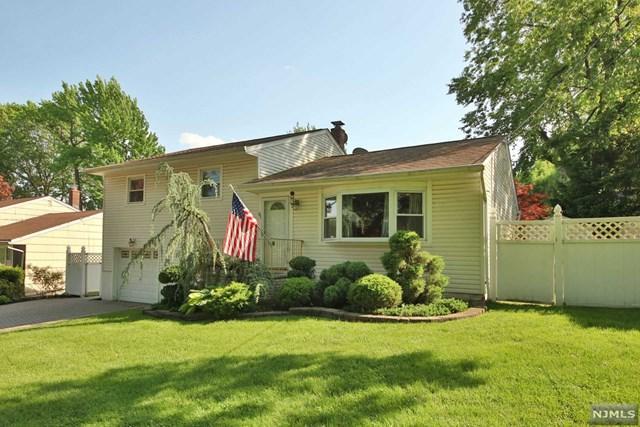 68 Locust Drive, Maywood, NJ 07607 (MLS #1822216) :: The Dekanski Home Selling Team