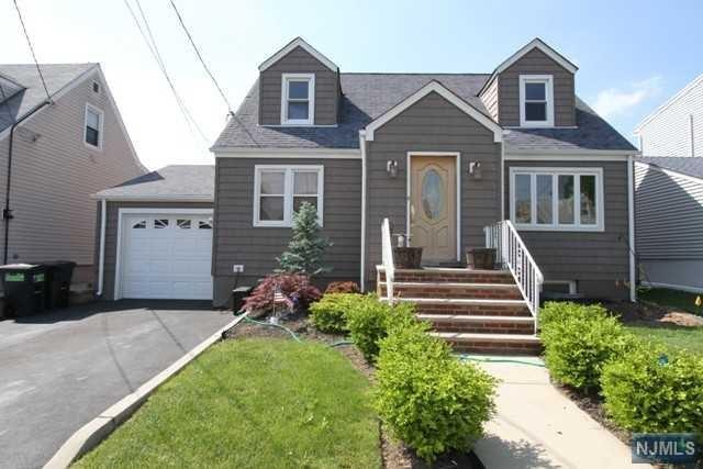 18 Acorn Street, Totowa, NJ 07512 (MLS #1822315) :: William Raveis Baer & McIntosh