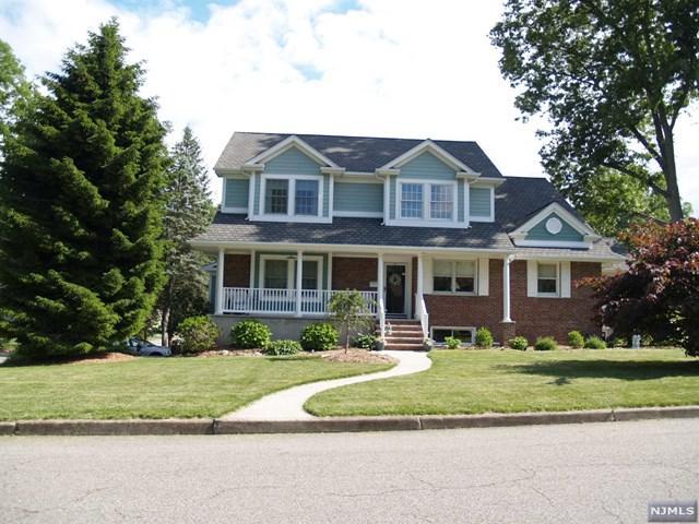 59 Dwight Avenue, Hillsdale, NJ 07642 (MLS #1823709) :: The Dekanski Home Selling Team