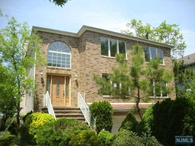 11 Colling Avenue, Rochelle Park, NJ 07662 (MLS #1823710) :: William Raveis Baer & McIntosh