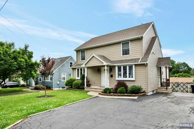 138 Burr Place, Hasbrouck Heights, NJ 07604 (MLS #1824391) :: The Dekanski Home Selling Team
