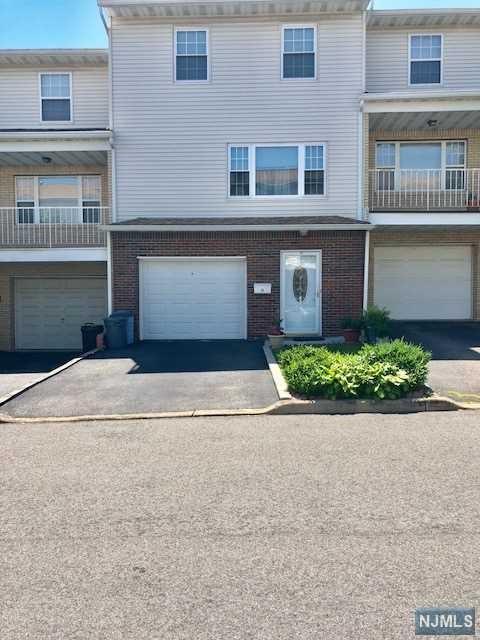 14 Ingraffia Drive, Elmwood Park, NJ 07407 (MLS #1824515) :: William Raveis Baer & McIntosh