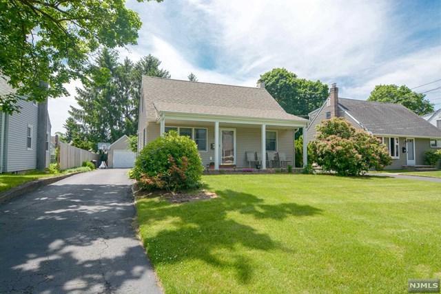 30 Long Avenue, Mahwah, NJ 07430 (MLS #1824570) :: The Dekanski Home Selling Team