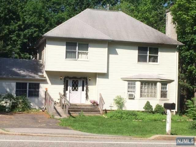 316 Forest Road, Mahwah, NJ 07430 (MLS #1825017) :: The Dekanski Home Selling Team
