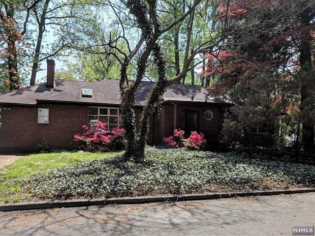 2 Bradford Court, Tenafly, NJ 07670 (MLS #1825057) :: The Dekanski Home Selling Team
