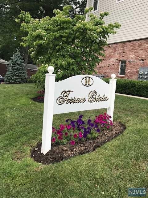 10 Terrace Avenue #7, Hasbrouck Heights, NJ 07604 (MLS #1825083) :: The Dekanski Home Selling Team