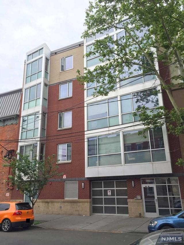 327 3rd Street #303, Jersey City, NJ 07302 (MLS #1825141) :: The Sikora Group