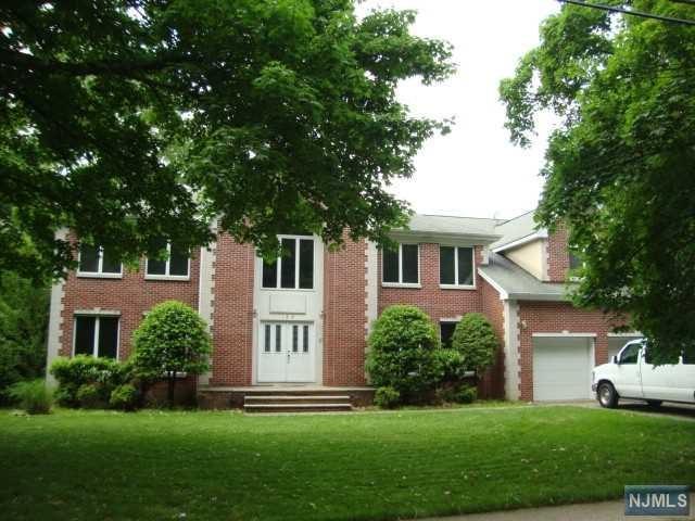 188 Anderson Avenue, Closter, NJ 07624 (MLS #1825183) :: The Dekanski Home Selling Team