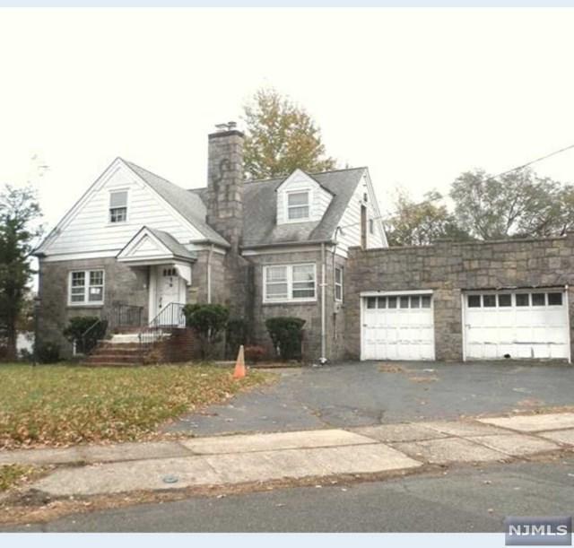 536 Collins Avenue, Hasbrouck Heights, NJ 07604 (MLS #1825188) :: The Dekanski Home Selling Team
