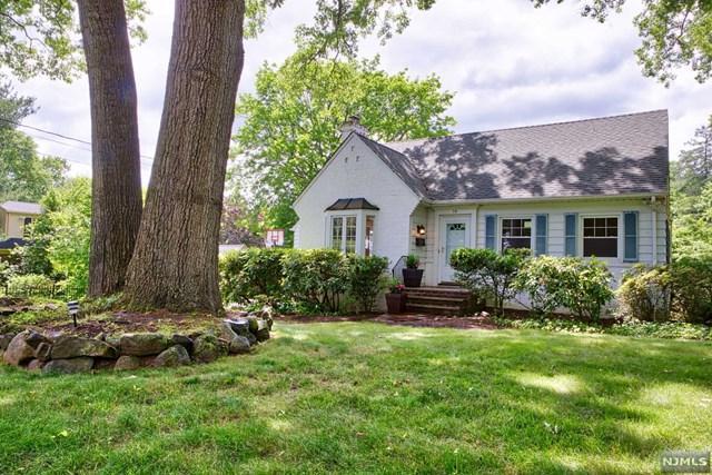 74 Oak Avenue, Tenafly, NJ 07670 (MLS #1825196) :: The Dekanski Home Selling Team