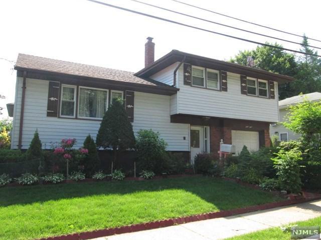 43 Pelham Place, Bergenfield, NJ 07621 (MLS #1825204) :: The Dekanski Home Selling Team