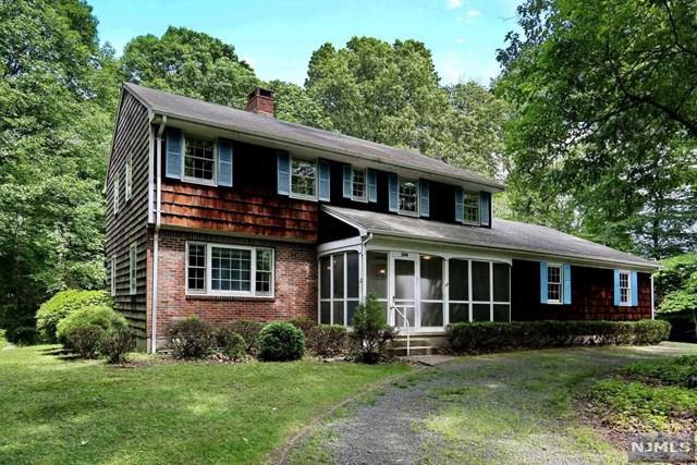 249 Mulberry Way, Franklin Lakes, NJ 07417 (MLS #1825513) :: William Raveis Baer & McIntosh
