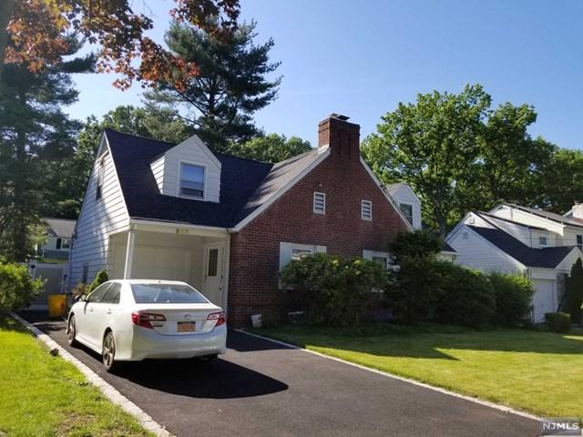 980 Phelps Road, Teaneck, NJ 07666 (MLS #1825547) :: The Dekanski Home Selling Team