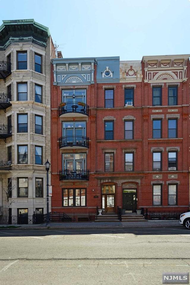 1125 Washington Street, Hoboken, NJ 07030 (MLS #1825695) :: The Sikora Group