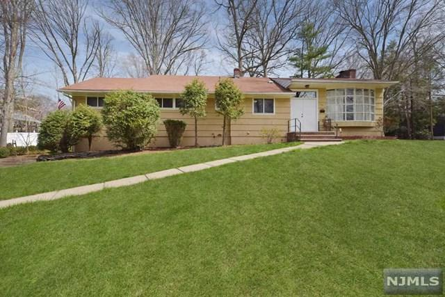 34 Fairhaven Drive, Hillsdale, NJ 07642 (MLS #1825795) :: The Dekanski Home Selling Team