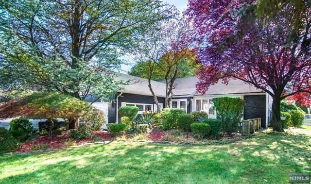 69 Anderson Drive, Clifton, NJ 07013 (MLS #1825834) :: The Dekanski Home Selling Team