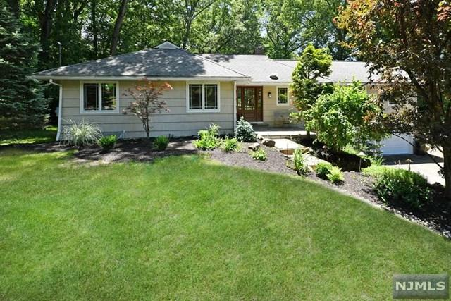 15 Upper Brook Lane, Hillsdale, NJ 07642 (MLS #1825861) :: The Dekanski Home Selling Team