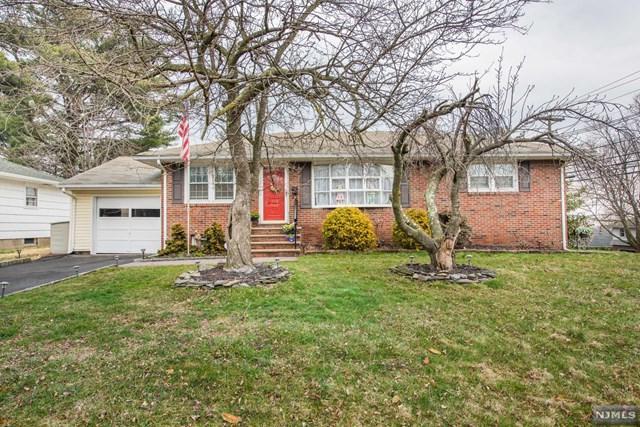 114 Hemlock Street, Clifton, NJ 07012 (MLS #1825867) :: The Dekanski Home Selling Team