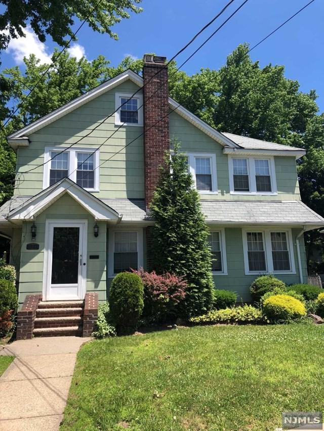 523 Cumberland Avenue, Teaneck, NJ 07666 (MLS #1825953) :: The Dekanski Home Selling Team