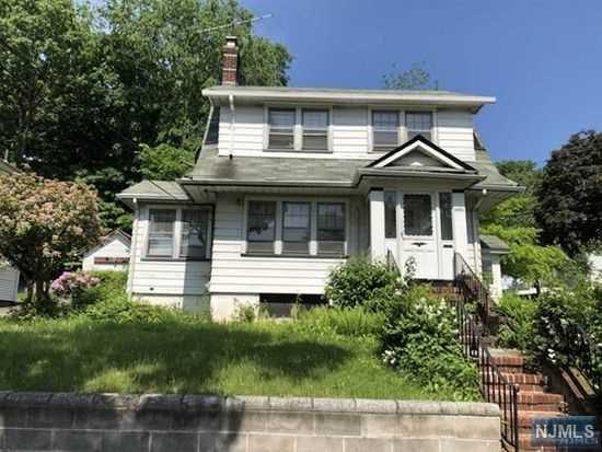 1494 Gaylord Terrace, Teaneck, NJ 07666 (MLS #1826144) :: William Raveis Baer & McIntosh