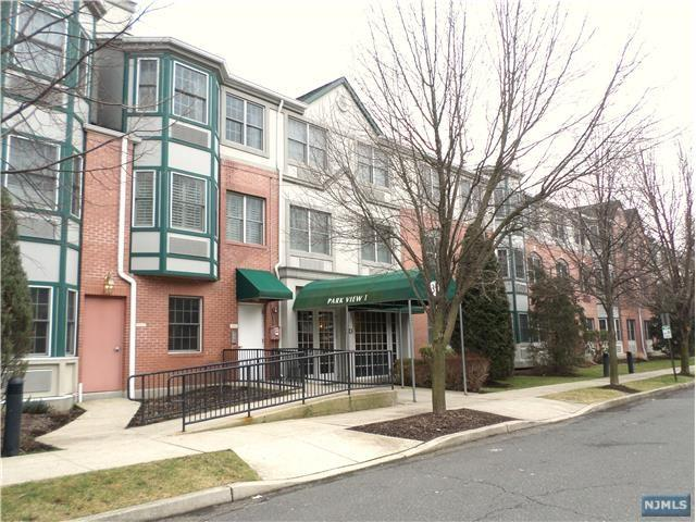 323 Willow Street 3B, Teaneck, NJ 07666 (MLS #1826232) :: William Raveis Baer & McIntosh