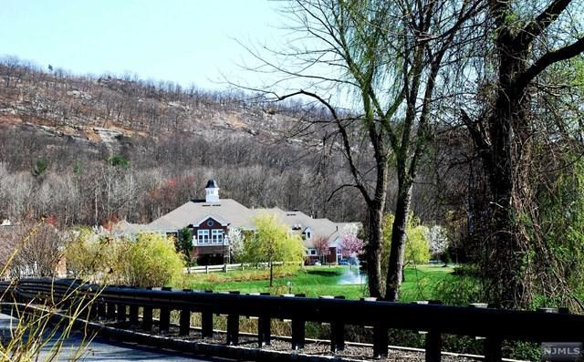 8106 Warrens Way #106, Wanaque, NJ 07465 (MLS #1826430) :: William Raveis Baer & McIntosh
