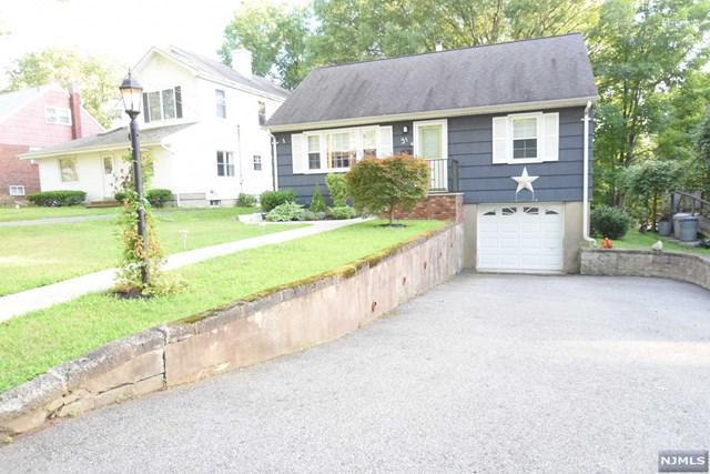 31 Woodward Avenue, Bloomingdale, NJ 07403 (MLS #1828388) :: William Raveis Baer & McIntosh