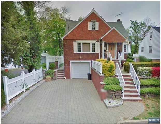 315 Hillside Avenue, Leonia, NJ 07605 (#1828602) :: Group BK