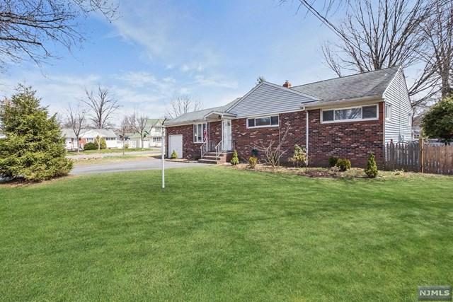 1 Warwick Court, River Edge, NJ 07661 (#1828663) :: RE/MAX Properties