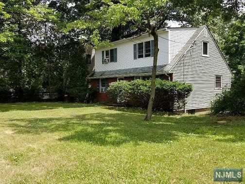 225 Dixon Avenue, Dumont, NJ 07628 (#1828880) :: Group BK