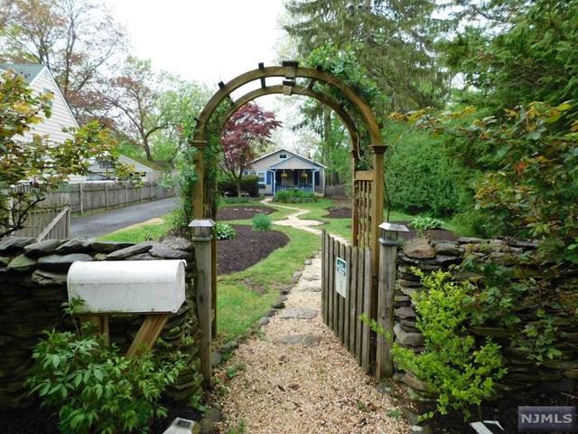 40 Dean Street, Glen Rock, NJ 07452 (#1829218) :: RE/MAX Properties