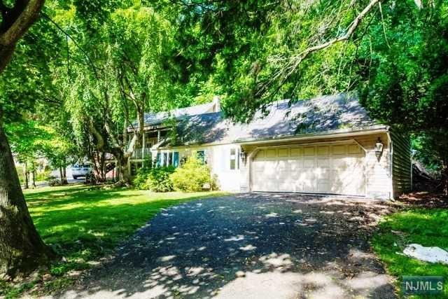 29 Old Pascack Road, Woodcliff Lake, NJ 07677 (#1829363) :: RE/MAX Properties