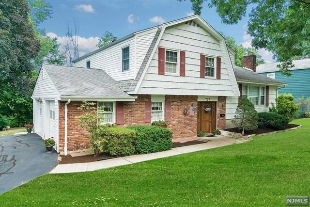 727 Koch Peak Avenue, Twp Of Washington, NJ 07676 (#1829657) :: RE/MAX Properties
