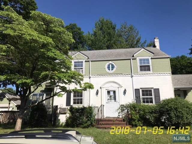 511 Claremont Avenue, Teaneck, NJ 07666 (#1830037) :: Group BK