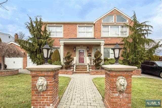 17 Fairview Avenue, Secaucus, NJ 07094 (#1830084) :: Group BK
