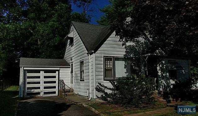 4 Dale Drive, Fairfield, NJ 07004 (#1830936) :: Group BK