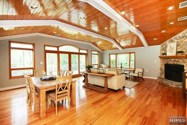 203 Henry Place, Wyckoff, NJ 07481 (MLS #1832666) :: The Dekanski Home Selling Team