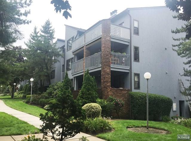 1491 John Street, Fort Lee, NJ 07024 (MLS #1833781) :: William Raveis Baer & McIntosh