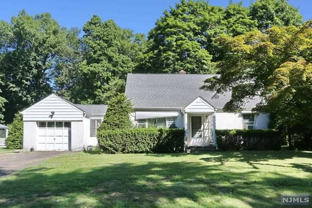 739 Mountain Avenue, Wyckoff, NJ 07481 (MLS #1833814) :: The Dekanski Home Selling Team