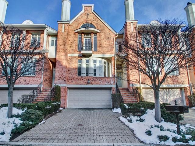 142 Hudson Cove, Edgewater, NJ 07020 (MLS #1833972) :: The Dekanski Home Selling Team
