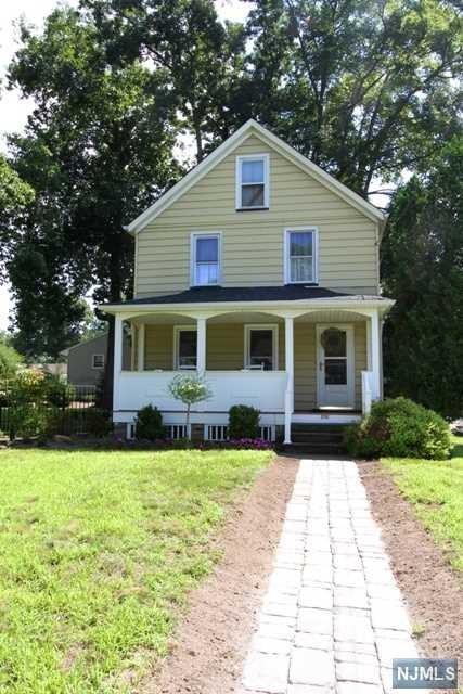 202 Prospect Street, Midland Park, NJ 07432 (#1834099) :: Group BK