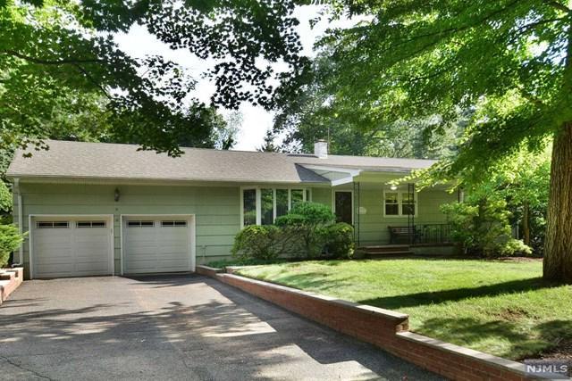 2 Glen Lane, Montvale, NJ 07645 (MLS #1834181) :: The Dekanski Home Selling Team
