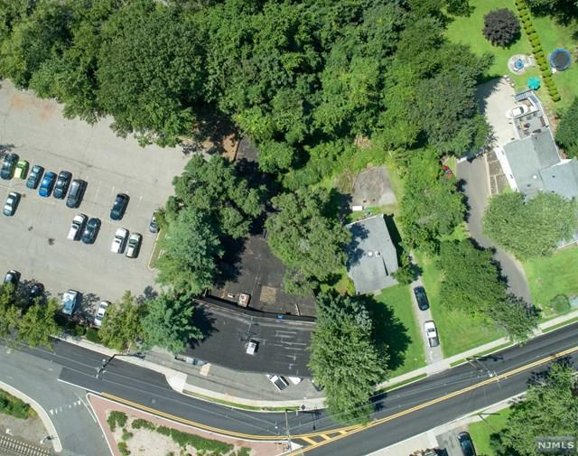 22 Railroad Avenue, Montvale, NJ 07645 (MLS #1834189) :: The Dekanski Home Selling Team
