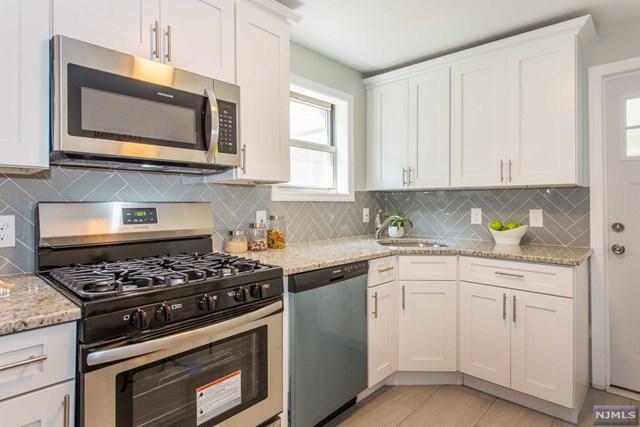 33 Dixon Avenue, Dumont, NJ 07628 (MLS #1834196) :: The Dekanski Home Selling Team