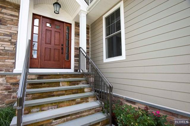 681 Palisade Avenue, Teaneck, NJ 07666 (MLS #1834298) :: William Raveis Baer & McIntosh