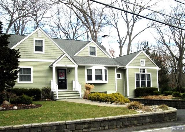 492 Pines Lake Drive, Wayne, NJ 07470 (#1834300) :: Group BK