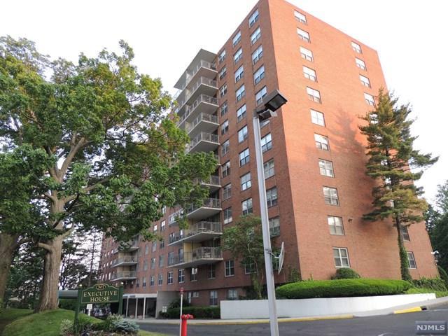 301 Beech Street 1I, Hackensack, NJ 07601 (MLS #1834705) :: The Force Group, Keller Williams Realty East Monmouth